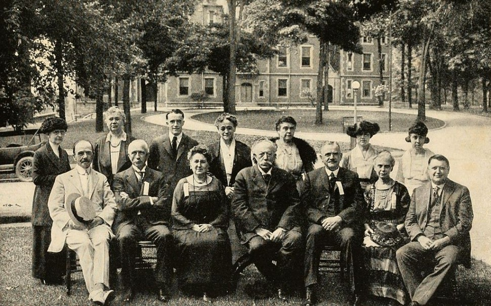 Reunion_of_Class_of_1883,_Indiana_University,_June,_1920